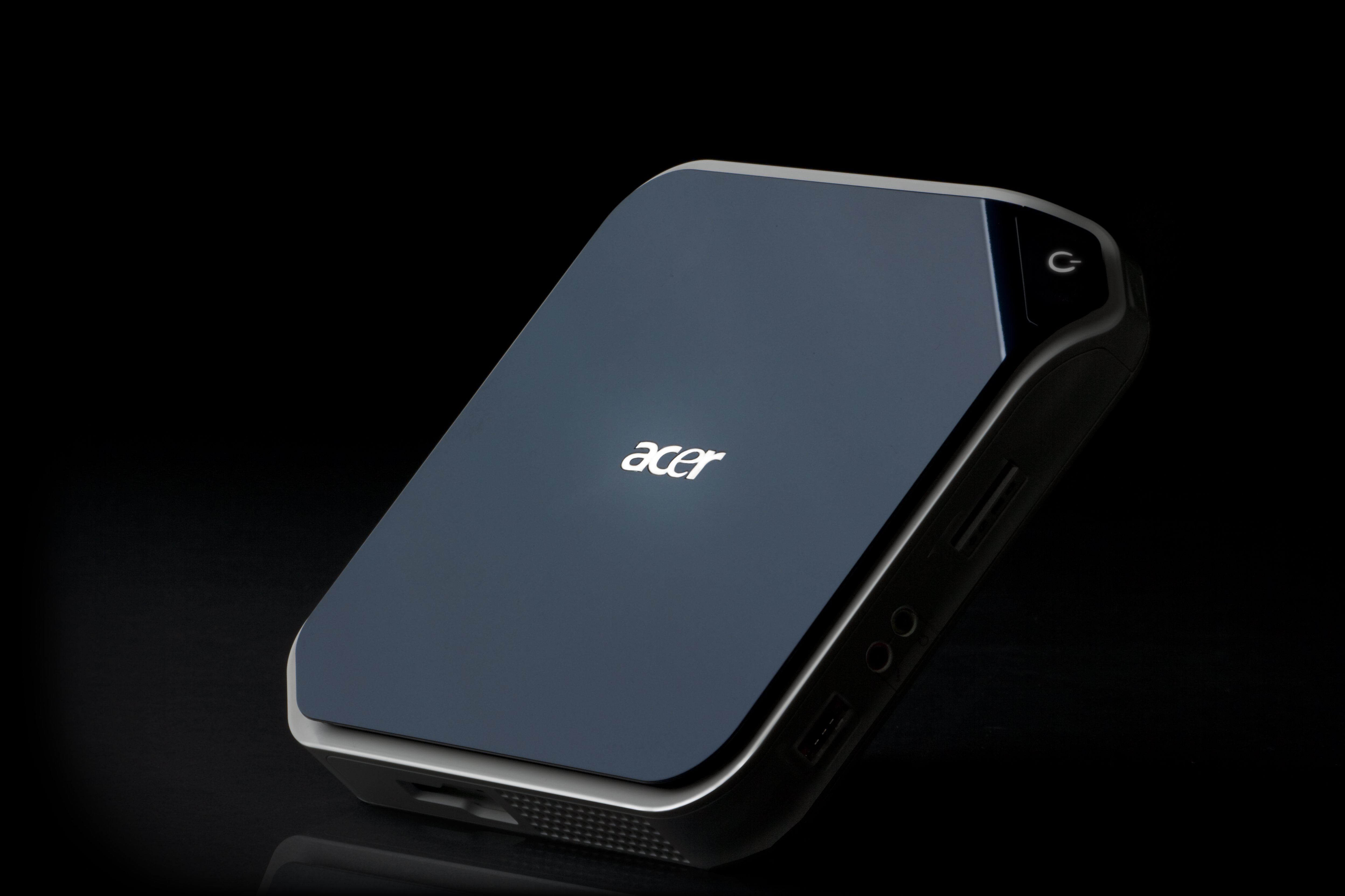 The Acer AspireRevo is the world's first PC to feature NVIDIA ION ...